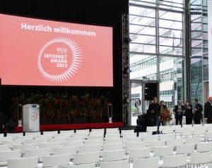 Nutzen Sie unsere Glashalle zu Beginn Ihrer Tagungen oder Konferenz im KölnSKY!