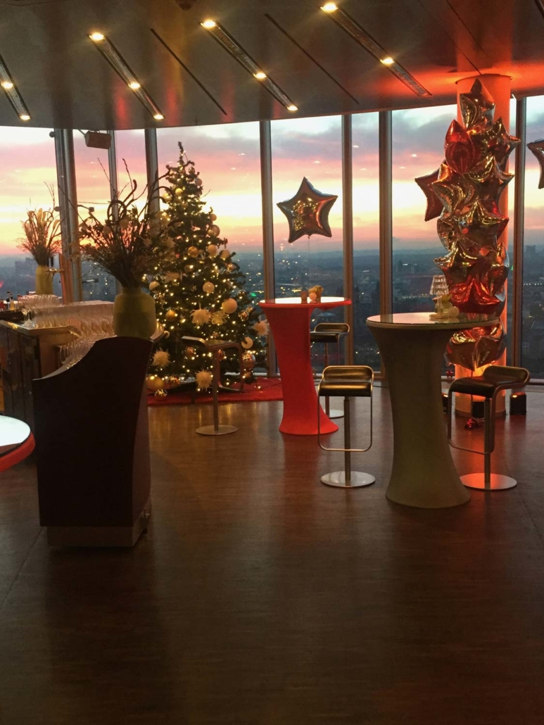 Feiern Sie mit Ihrer Familie und Freunden Weihnachten in der Eventlocation KölnSKY!