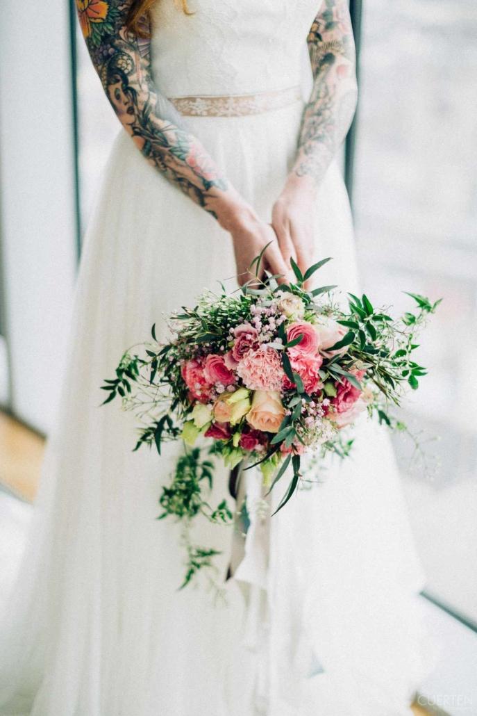 Individuelle Dekoration und Brausträuße in der Eventlocation für Hochzeiten und mehr.