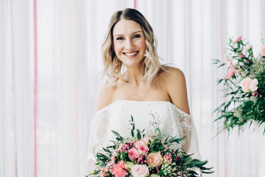 Das KölnSKY Team bringt jede Braut zum strahlen und liest Ihnen jeden Wunsch für Ihre Hochzeit von den Augen ab.