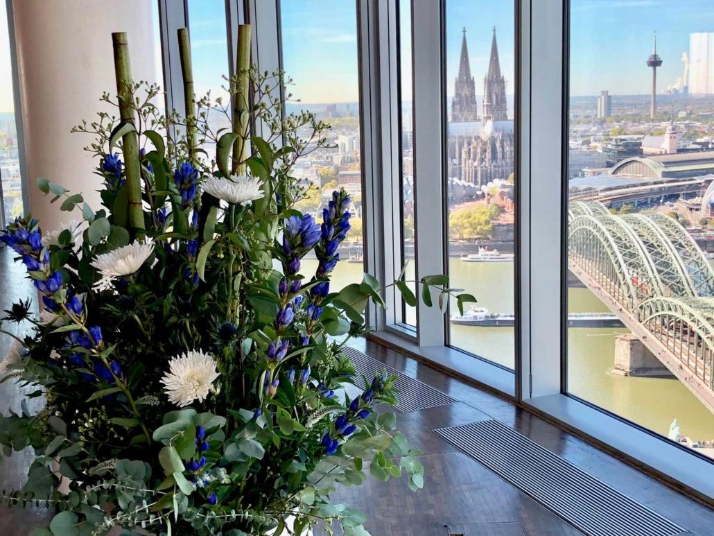 Business in Köln? Eine Tagung in unserer Eventlocation KölnSKY ist einzigartig.