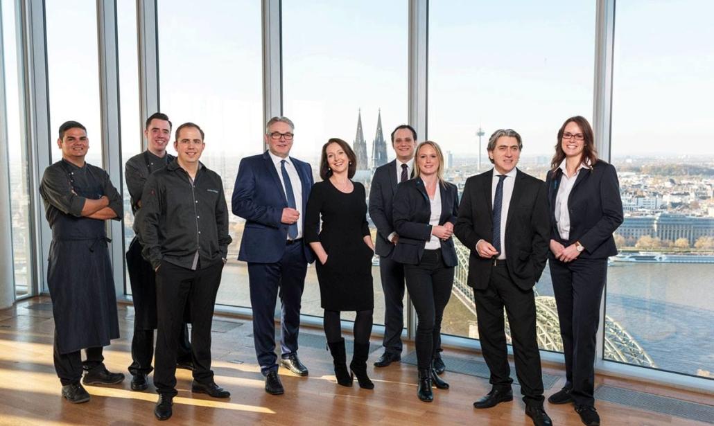 Wir freuen uns über Ihre Fragen! Ihr Eventlocation KölnSKY-Team direkt am Rhein!